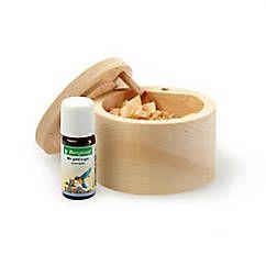 Raumduft-Dose aus heimischem Zirbenholz, mit Zirbenholzspänen gefüllt, inkl. beruhigenden Duftöls – hübsches Geschenk jetzt bei Servus am Marktplatz kaufen.