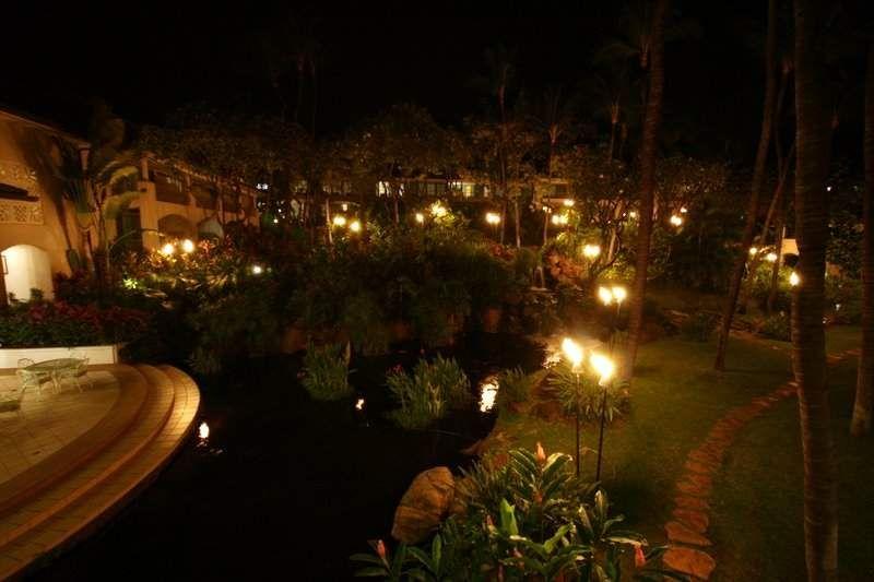Garden at night hawaiian resort gardens greenhouses pinterest jungle house for A night at the garden