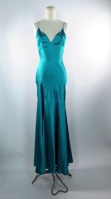The dress Michelle Pfeiffer wore in SCARFACE 4b613d53a8bb7