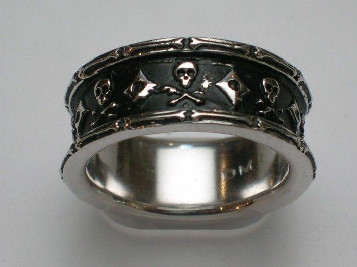 40 unique unusual wedding rings for him her - Skull Wedding Rings For Men