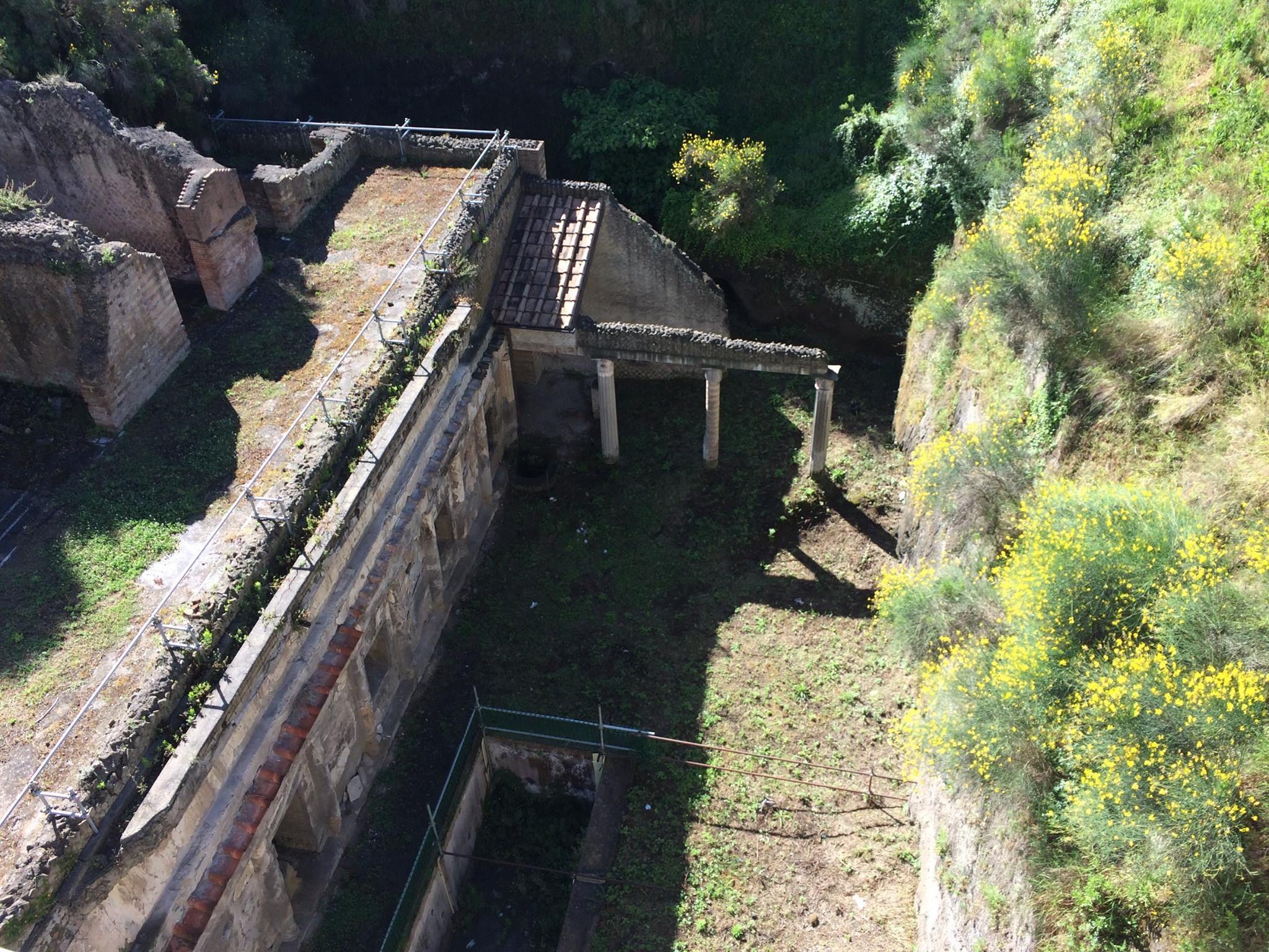 Panoramica del sito — presso Scavi di Ercolano.