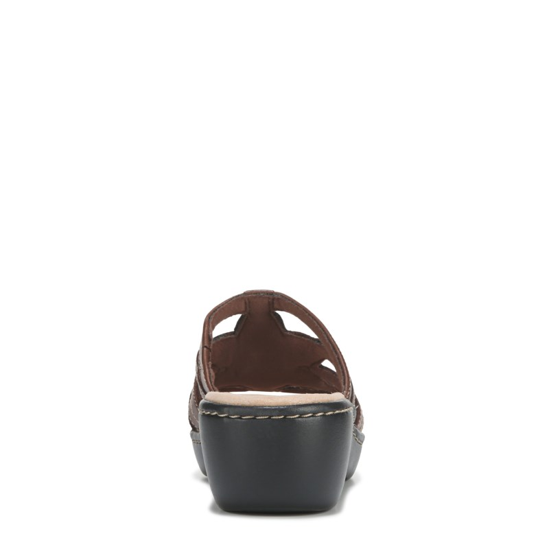 0b34f7c7340f Clarks Women s Delana Venna Medium Wide Wedge Sandals (Brown)