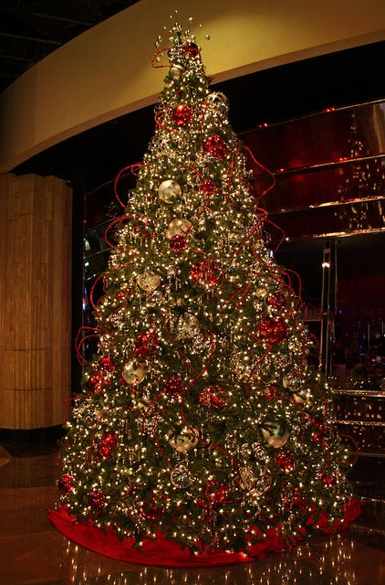Mgm Grand Las Vegas Christmas Tree Flickr Christmas Trees