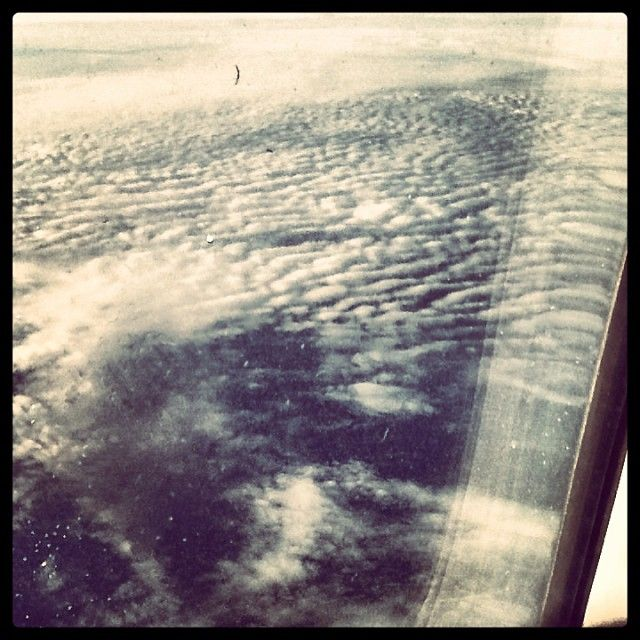 Looking for some inspiration out there #UpInTheAir #AspireInspire #SeaOfClouds #TesisEnElAvion #PuroLujo #DidiLikes #ViveLaPe
