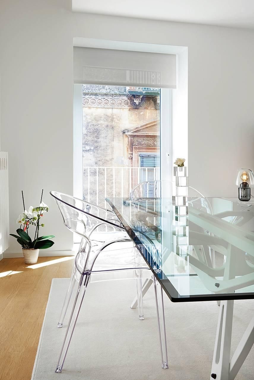 15 Trucchi Per Una Stanza Piu Grande Tanto Bianco E Luce Dall Alto Per Una Casa Piu Luminosa Cose Di Casa Idee Per Interni Arredamento Moderno Soggiorno Arredamento