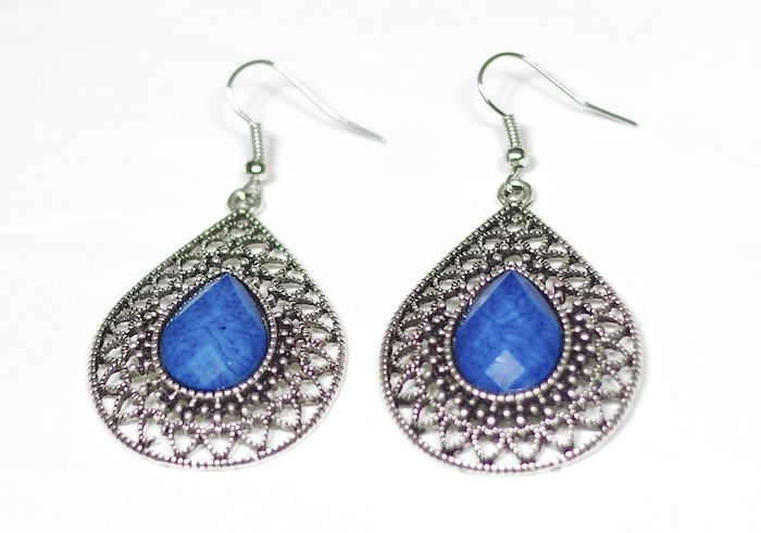 These earrings have a beautiful Moorish inspired design and symmetric pattern- deep blue