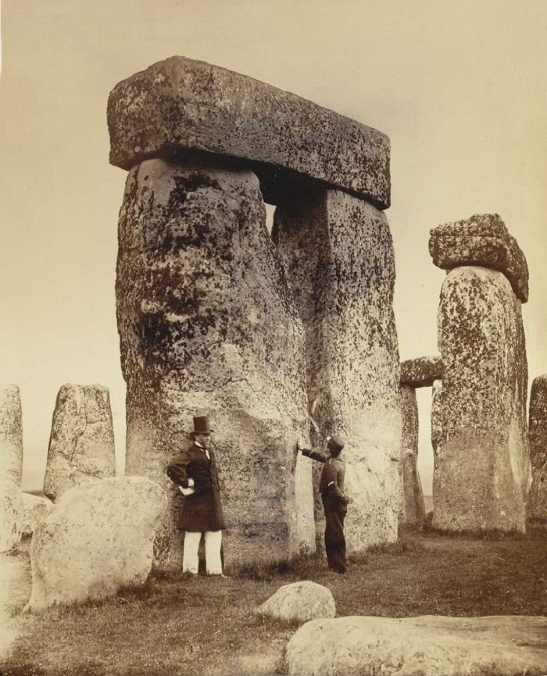 Pin by ilopez1740 on The Past/History/Vintage Stonehenge