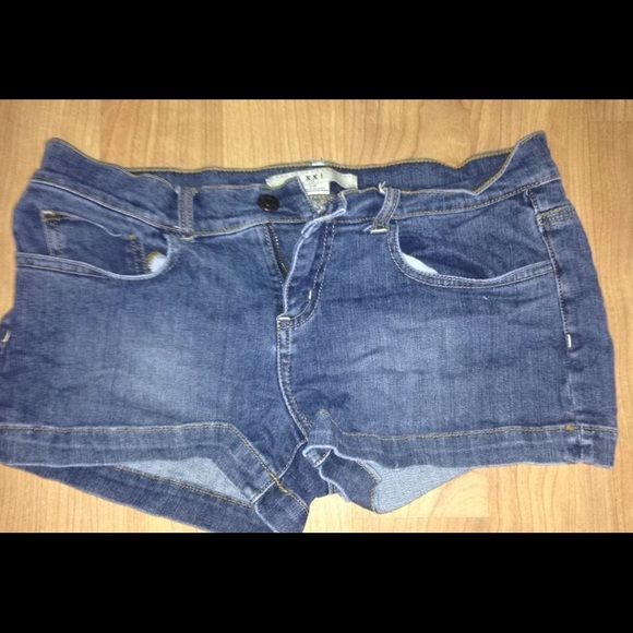 Forever 21 shorts! These shorts are in awesome shape! I only wore them a few times they are wrinkly ATM lol I'm sorry! But I'll wash and fluff :) Forever 21 Shorts Jean Shorts
