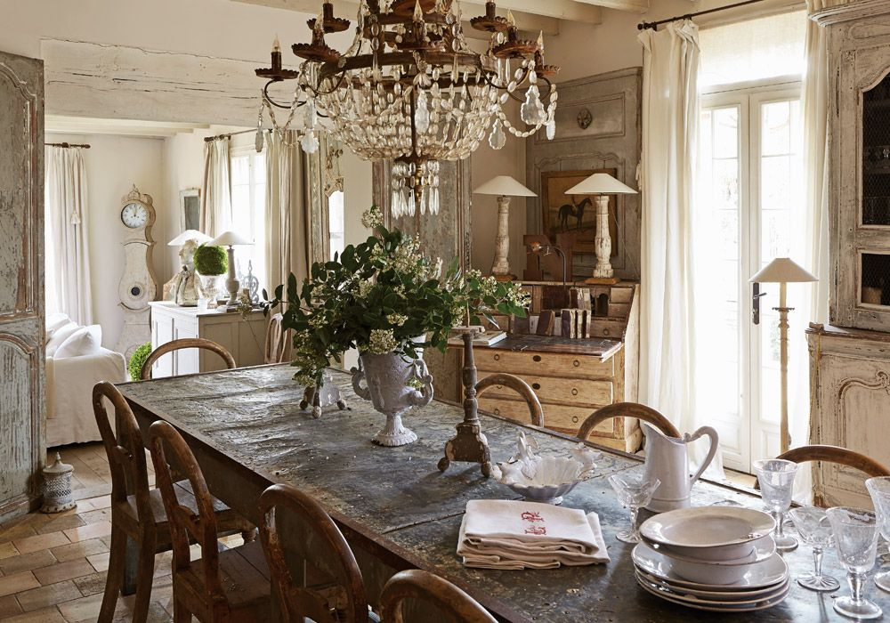 A refined french interior decoratie