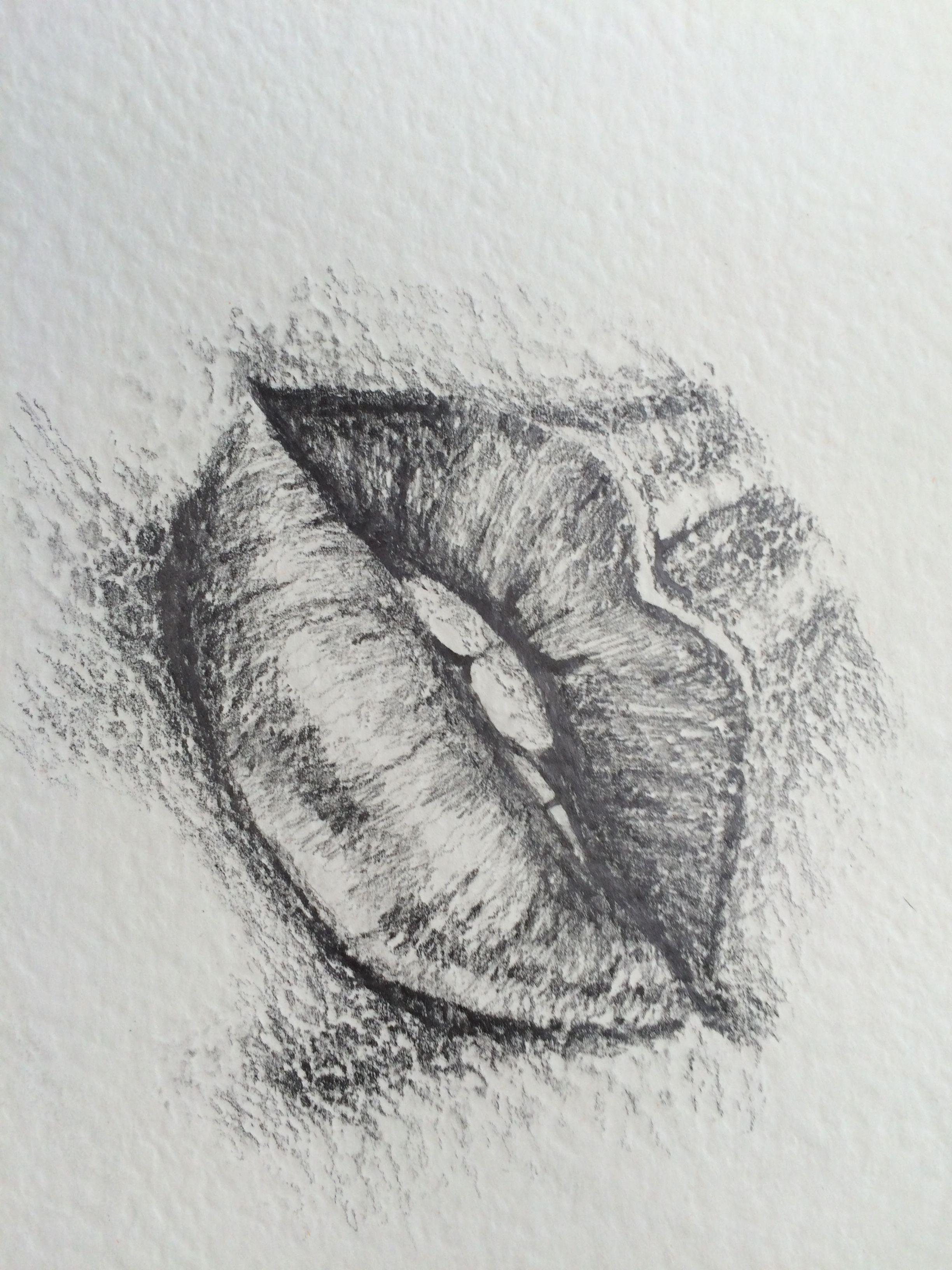 Kissy lips pencil drawing art in 2019 pencil drawings drawings