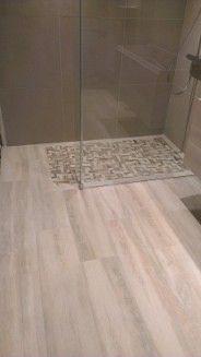 carrelage effet parquet en salle de bain et douche l 39 italienne home pinterest carrelage. Black Bedroom Furniture Sets. Home Design Ideas