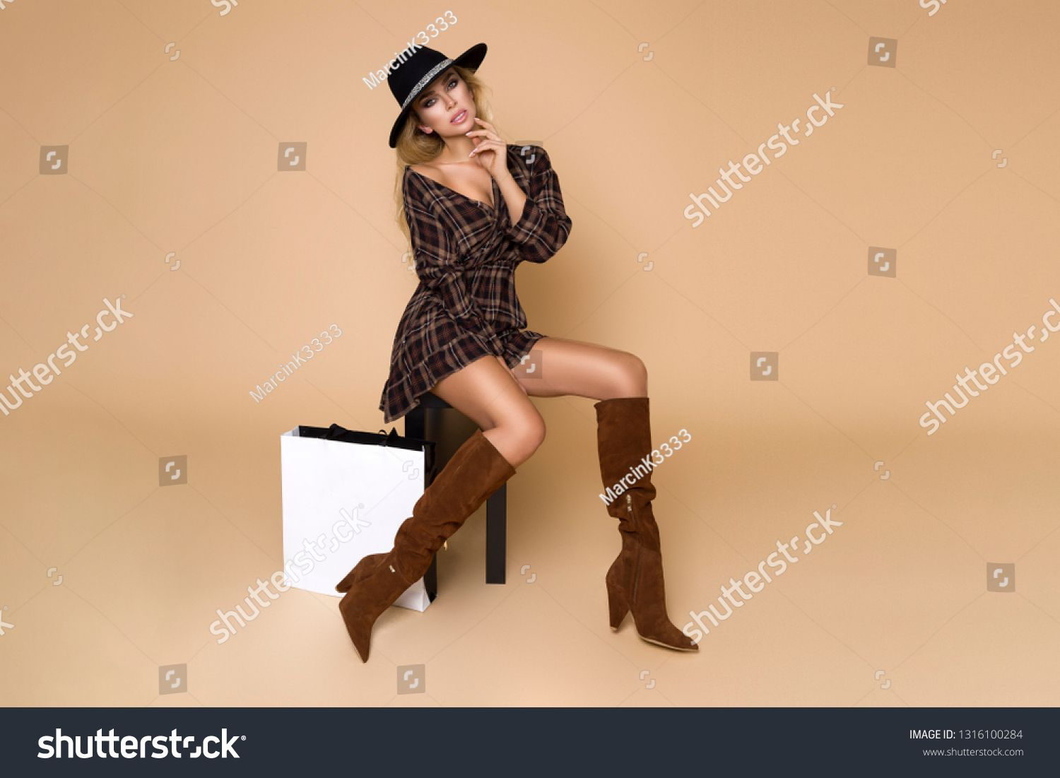 Fashion Model girl full length portrait isolated on beige background. Beauty stylish blonde woman posing in fashionable clothes in studio. Casual style, beauty accessories,hat and handbag #Sponsored , #AFFILIATE, #beige#isolated#background#stylish