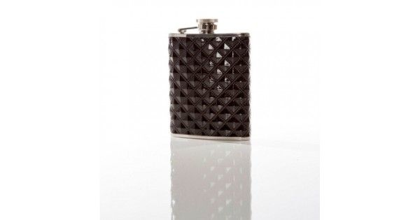 The Black on Black FlaskThe flask has become the staple accessory for those with big ideas and busy schedules. Taking a short break to take a refreshing sip or share a drink with a new friend is an essential part of the Brouk & Co lifestyle. A flask for the sophisticated, this hip flask is patterned