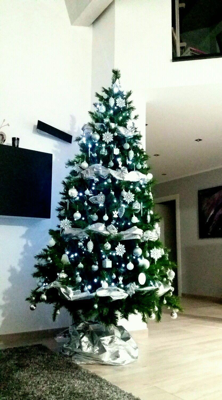 Albero Di Natale Argento E Bianco.Albero Di Natale Bianco Argento Idee Di Natale Albero Di Natale Bianco Alberi Di Natale