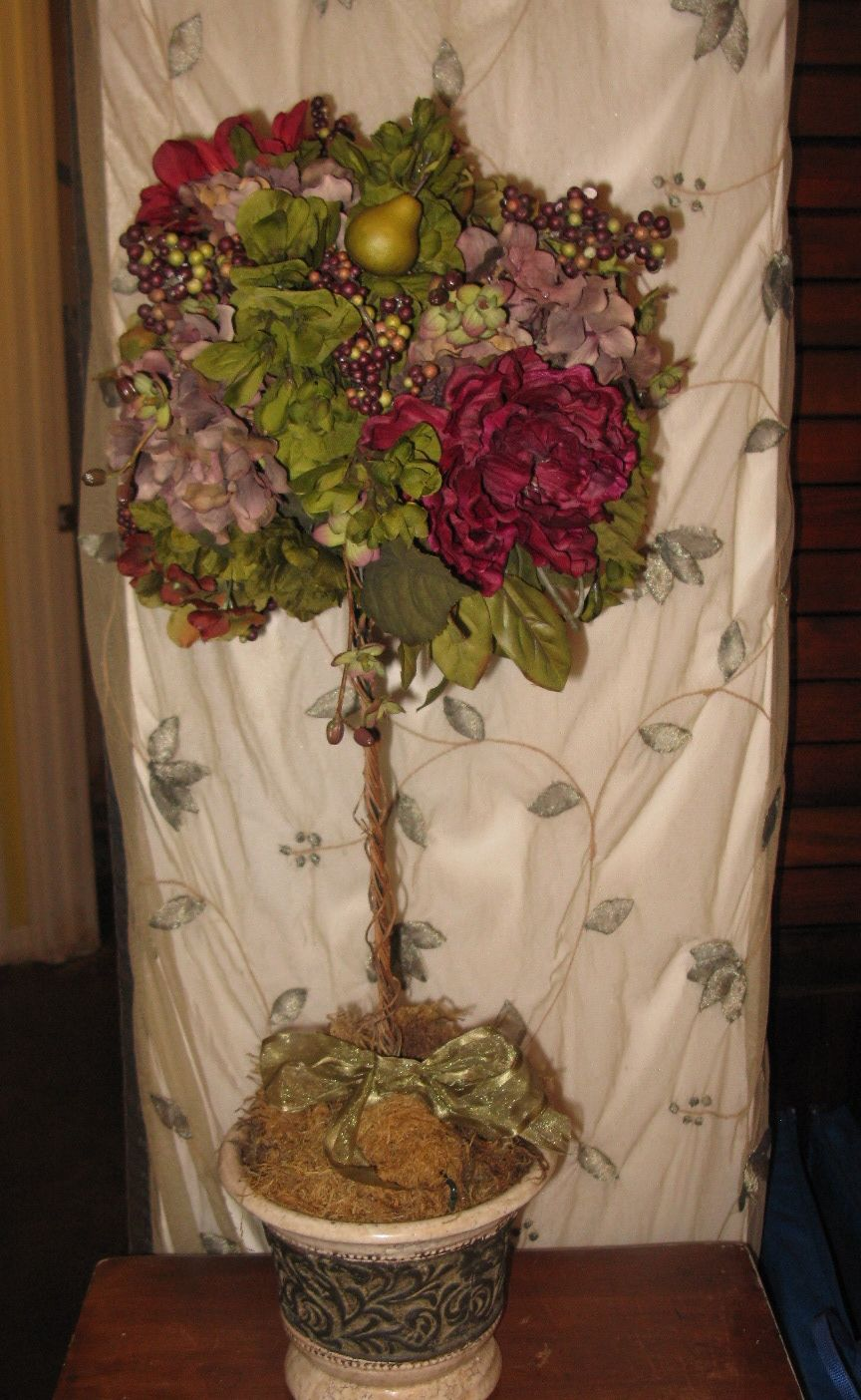 Downton Abbey Brunch A Floral Display That Reflects The Grandeur Of