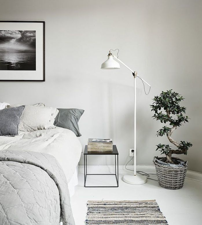 19 Magnificent Floor Lamp Designs To Light Up Your Bedroom Properly Floor Lamp Bedroom Bedroom Flooring Bedroom Interior