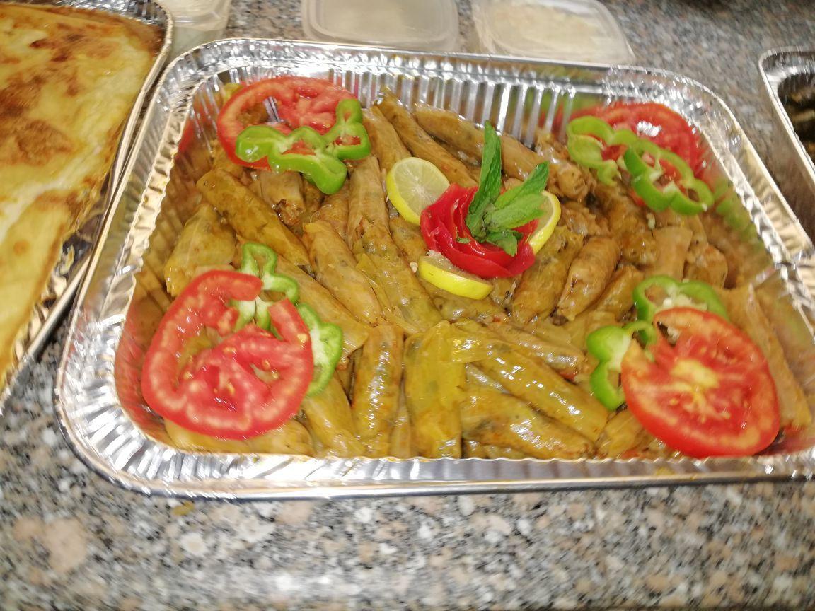وجبة الغداء 4 افراد ليومين 1 ك ورق عنب ساده 1 ك كرنب 1 صينية مكرونه بالباشمل وسط 1 ك فراخ بانيه نيئ جاهز للقلى Food Green Beans Vegetables
