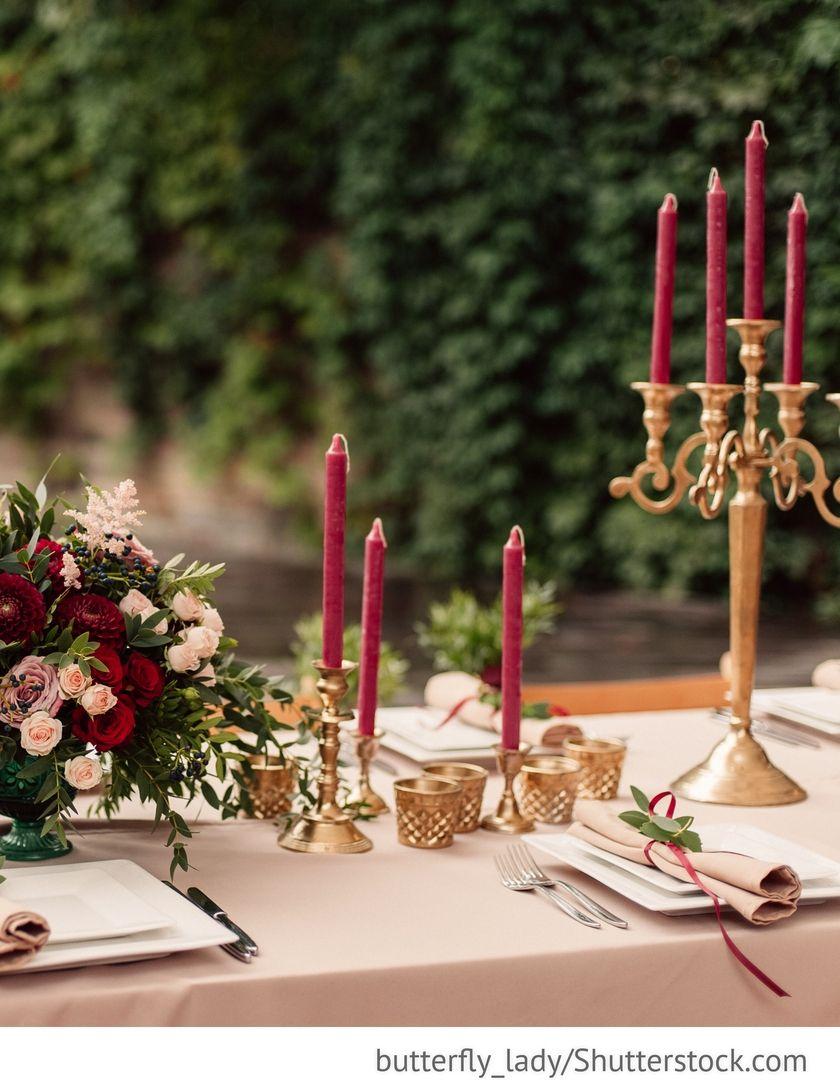 Dekoration In Rot Gold Auf Hochzeitstischen Fur Die Hochzeiten