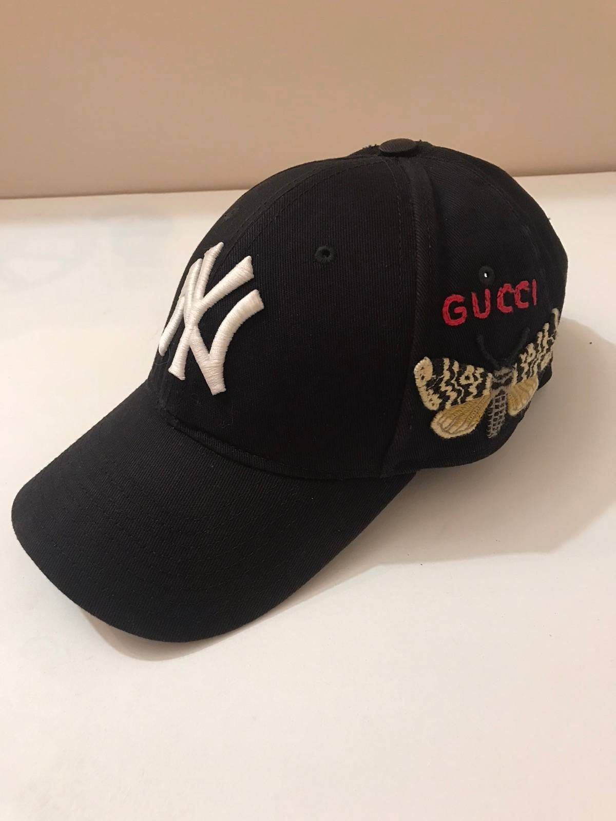 Searching For Gucci New York Yankees Collab We Ve Got Gucci Accessories Starting At 360 And Plenty Of Other Accessories Gucci New York New York Yankees Gucci