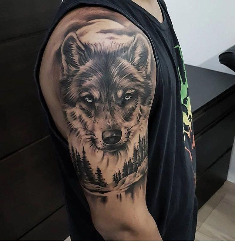 I Truly Am Keen On The Different Colors Lines And Detail This Is Definitely A Wonderful Tattoo Design If Y Wolf Tattoos Men Wolf Tattoos Wolf Tattoo Sleeve