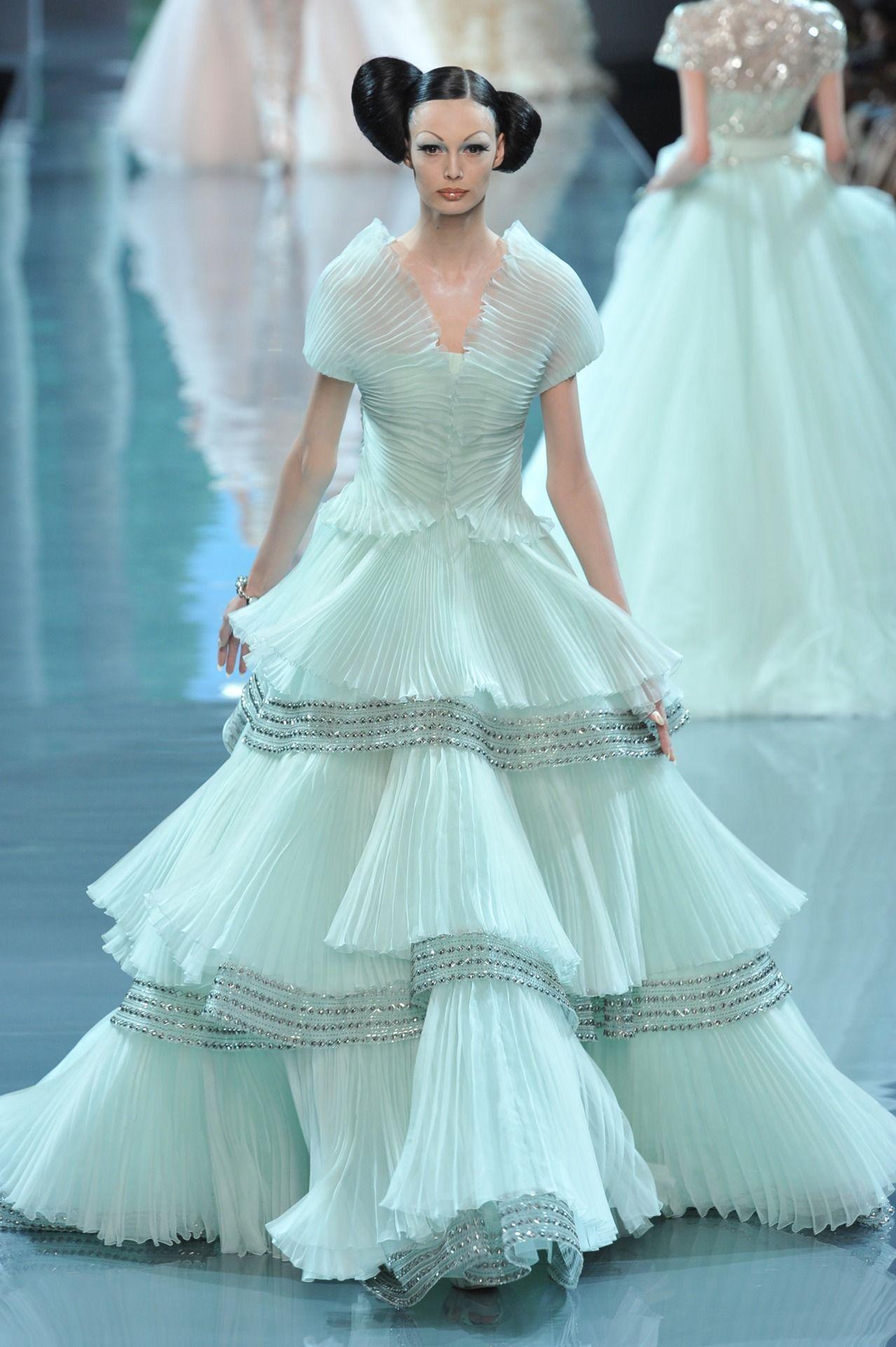 Christian dior haute couture fall winter galliano