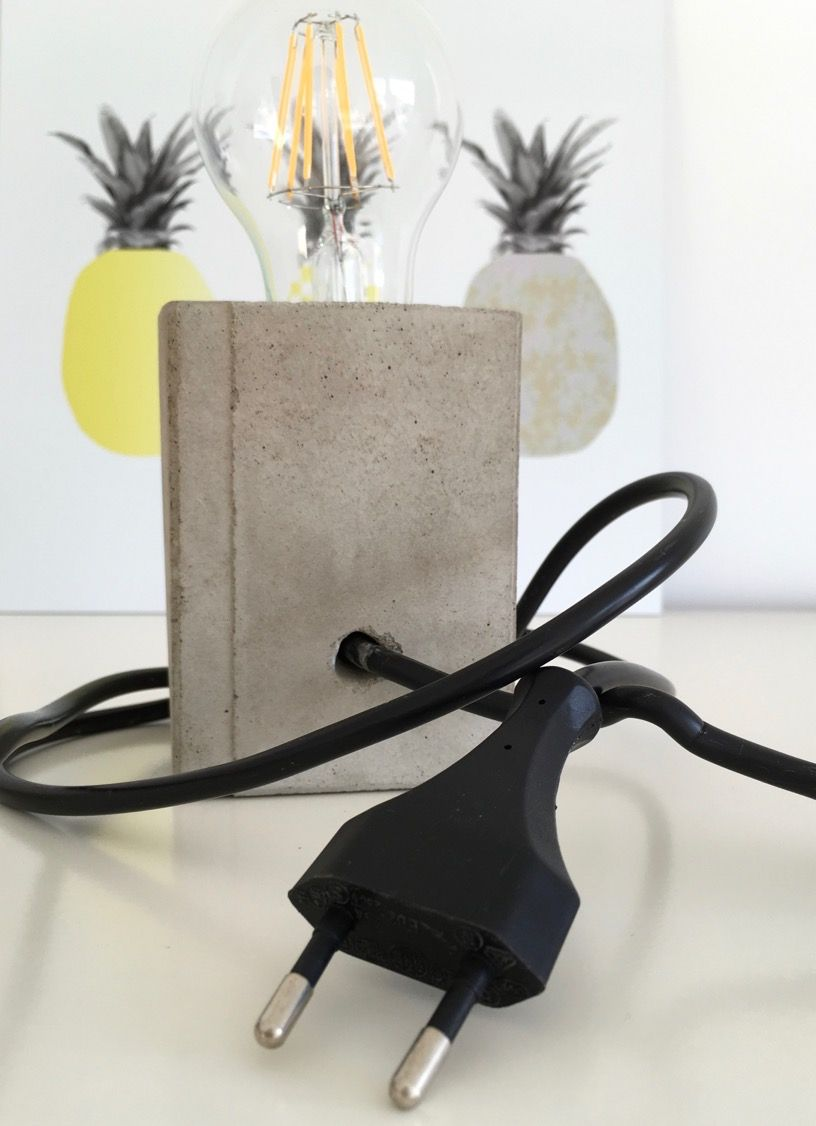 beton lampe selbermachen diy05 techn cement and hypertufa pinterest lampen diy lampen. Black Bedroom Furniture Sets. Home Design Ideas