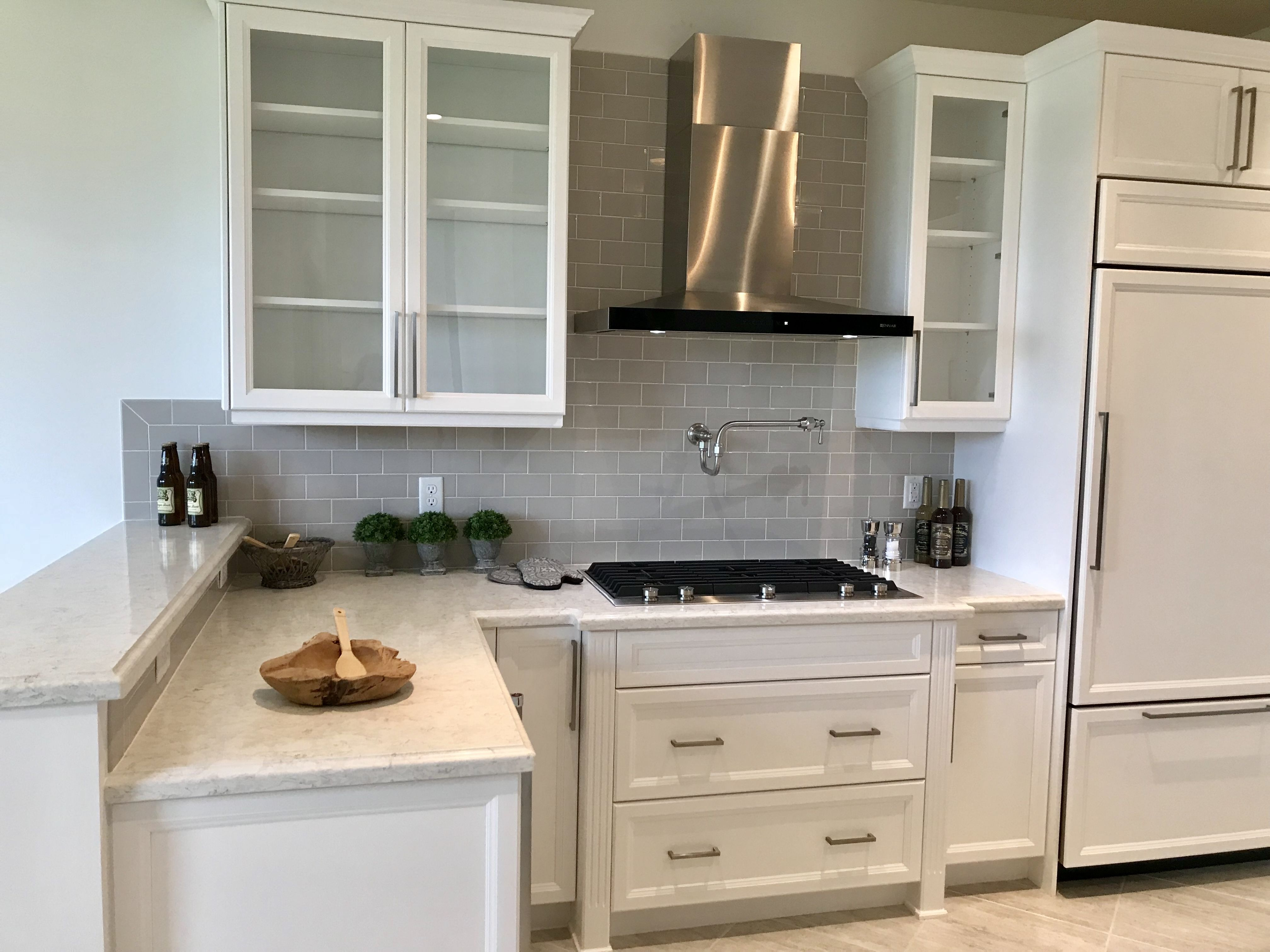 Pin By Robin Antonelli On Empty Homes Staged To Sell In 2020 Home