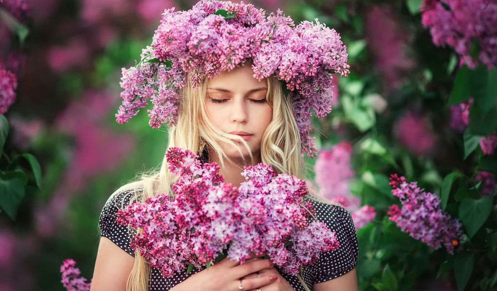 Surrounded by lilacs