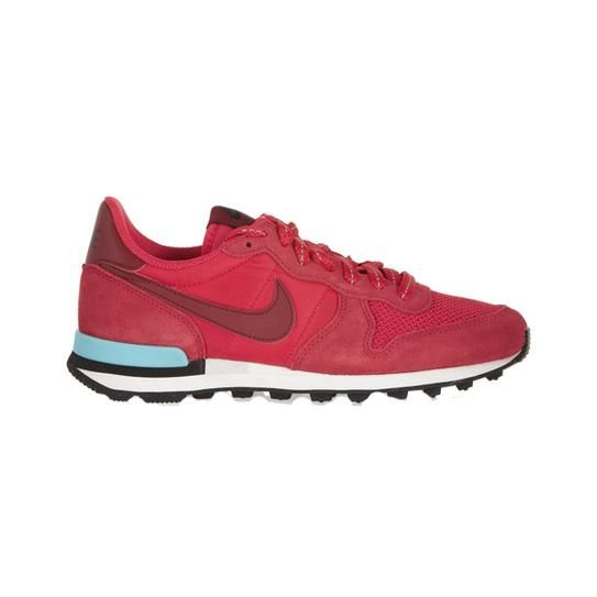 25 Stylish Sneakers To Buy And Wear Right Now Stylecaster Sneakers Stylish Sneakers Red Nike