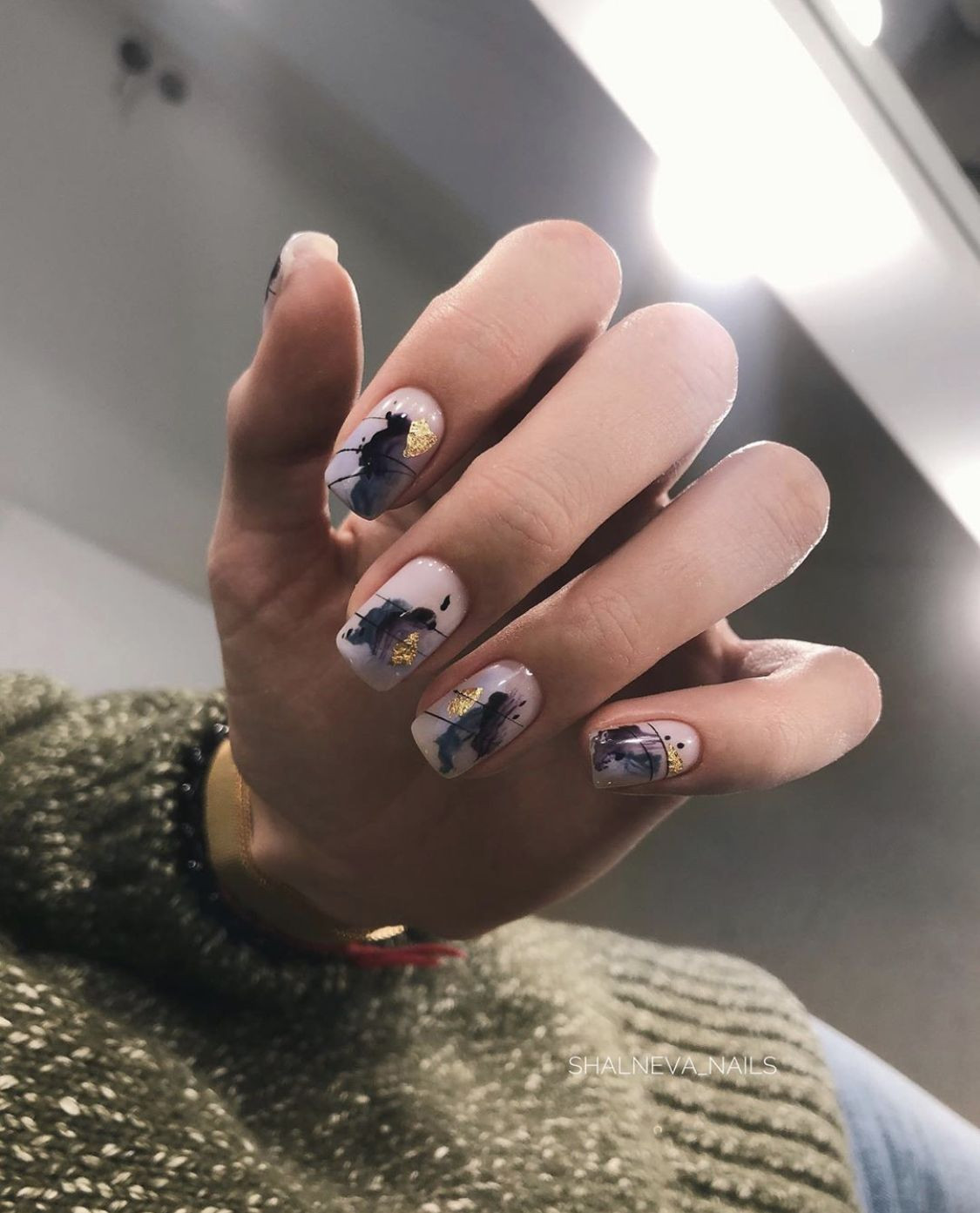 Pin By Anne Constantinova On Nails In 2020 Gold Nails