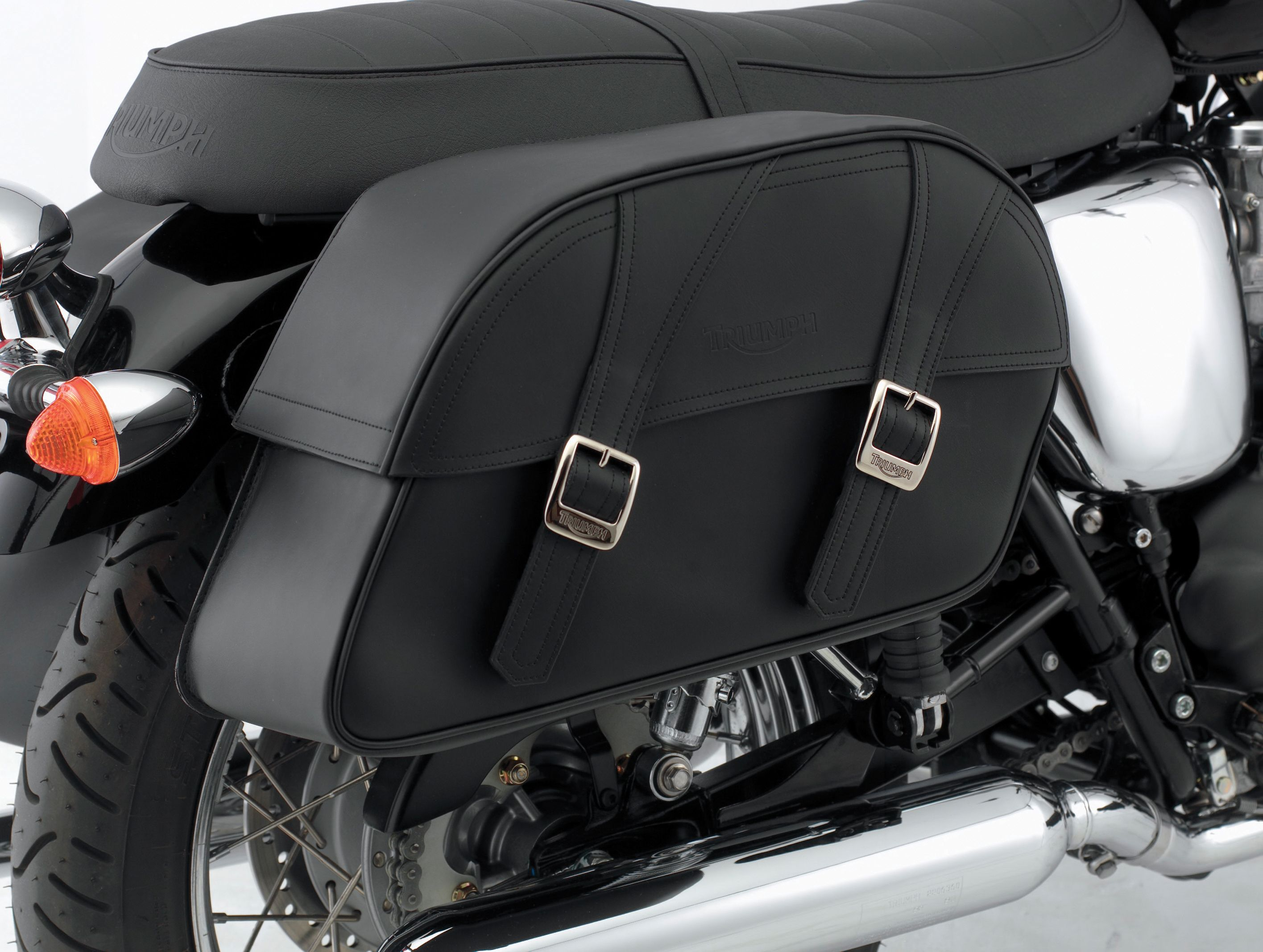 Triumph Bonneville Solo Seat Classic Leather Saddlebag Kit Large