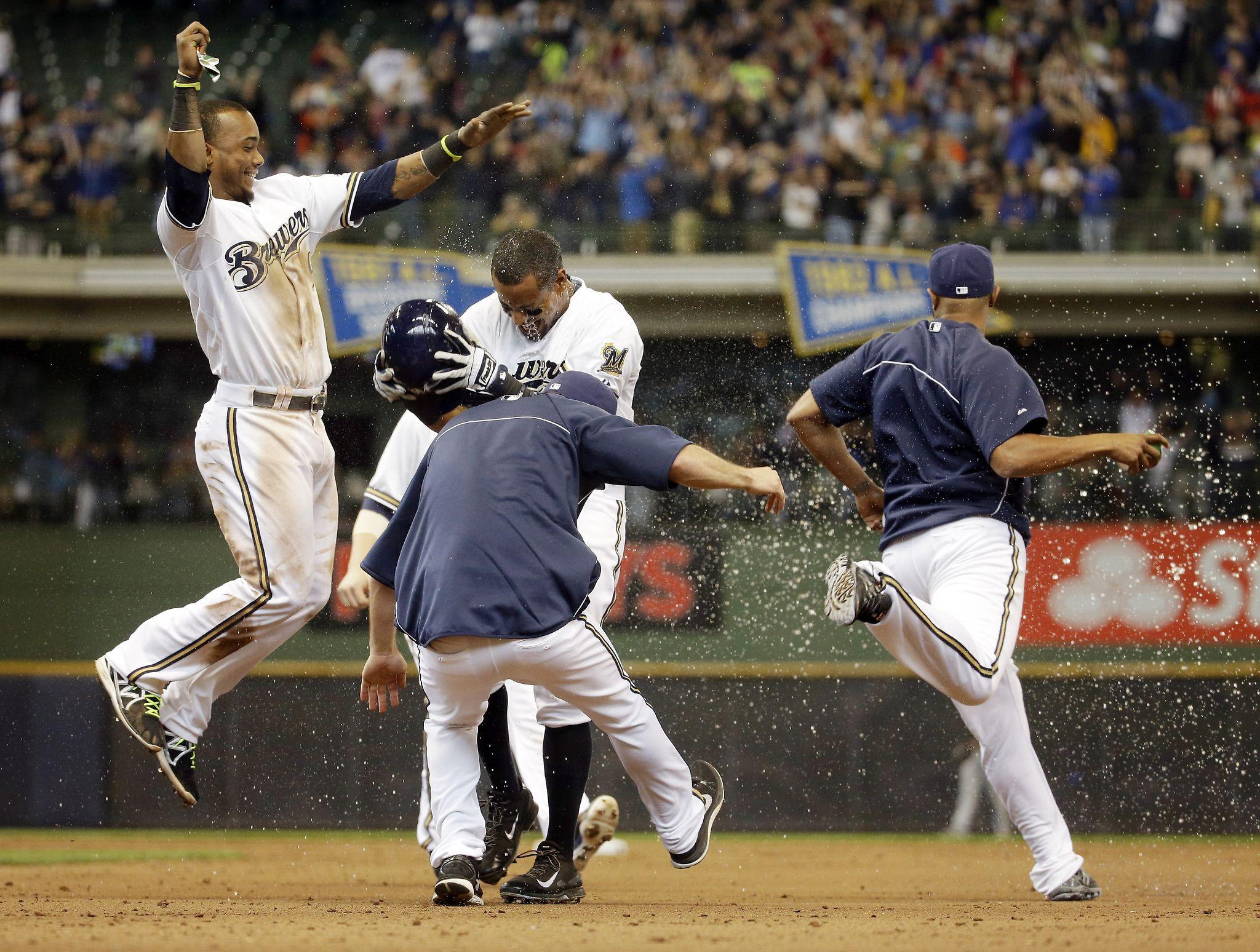 Khris Davis' big hit gives Brewers ninthinning victory