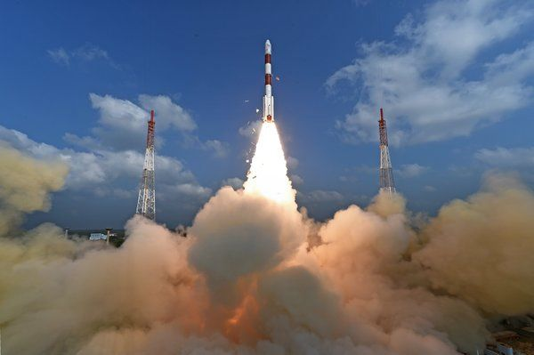 India Launches 104 Satellites From A Single Rocket Ramping Up A Space Race India Space Race New World