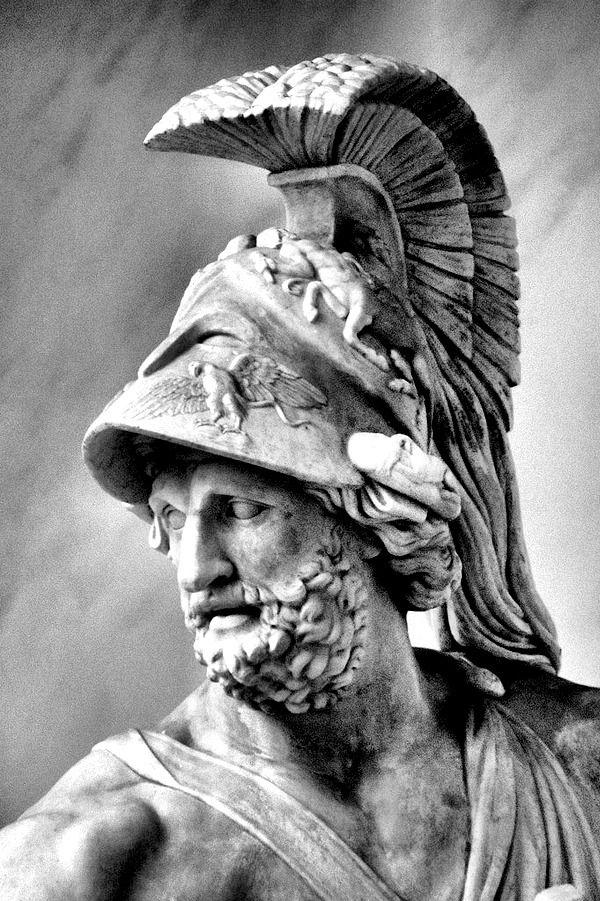 The classic hero story: Theseus