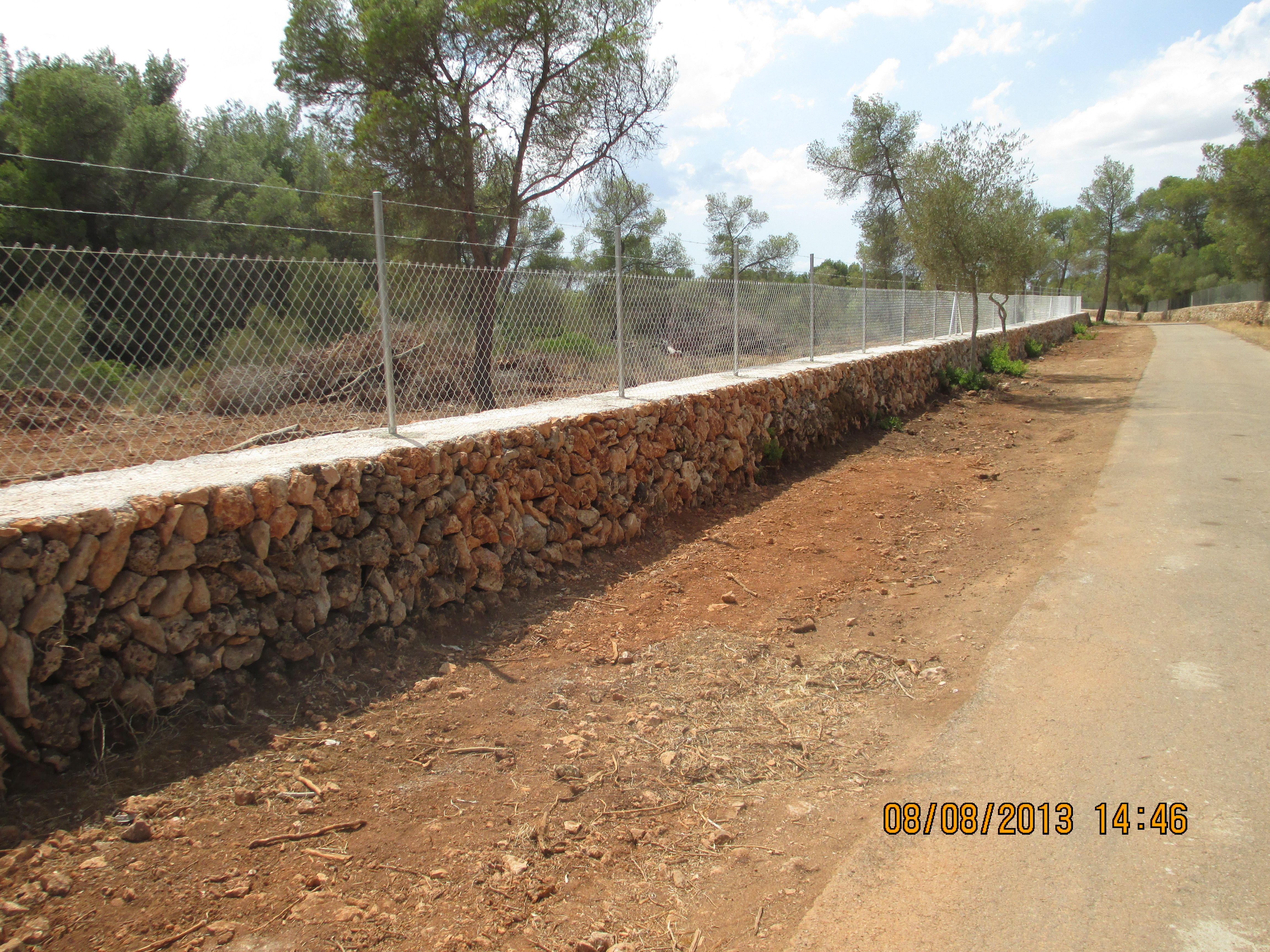 Cerramiento de finca r stica con pared de piedra en seco - Cerramientos de piedra ...