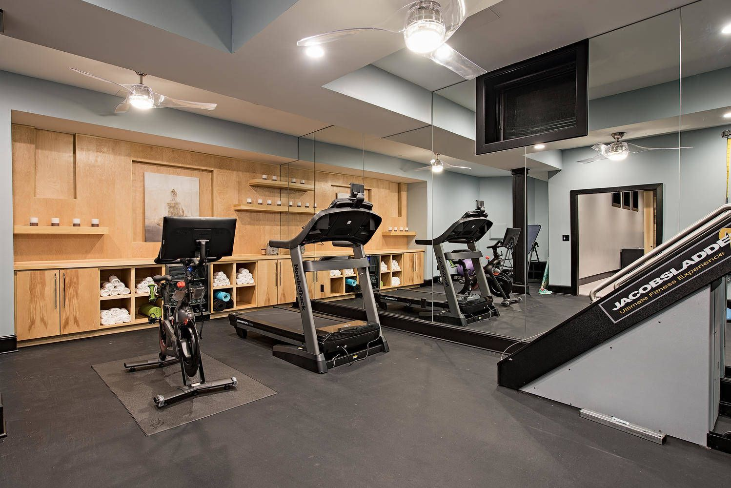 31 Great Design Ideas For The Perfect Home Gym Photo Gallery Home Gym Design Home Transitional House