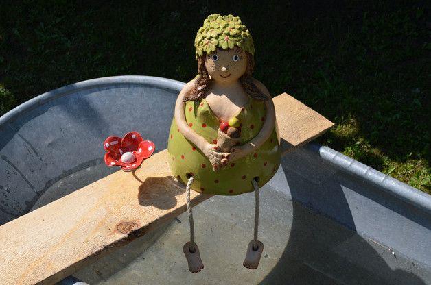 In Liebevoller Handarbeit Hergestgellte Badefigur Sehr Aufwendig Gearbeitet Mit Vielen Kleinen Details Gerne Wurde Sie Den Som Topferarbeiten Handarbeit Figur
