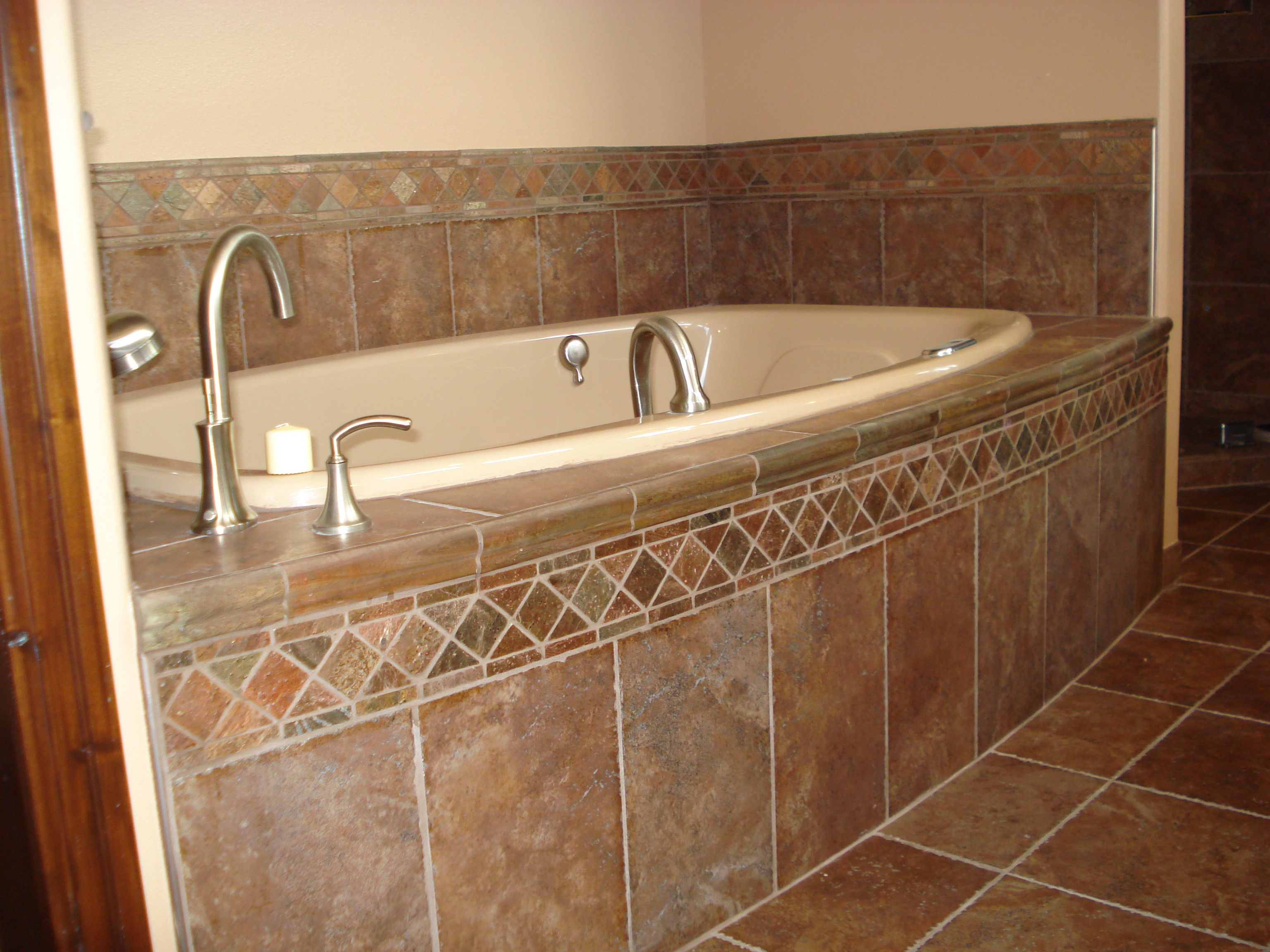 Tile around bathtub ideas browse our photo gallery for for Bathroom soaking tub ideas