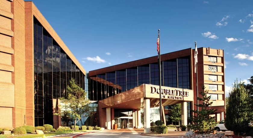 Doubletree by hilton denver southeast aurora this hotel in colorado provides free shuttle services also