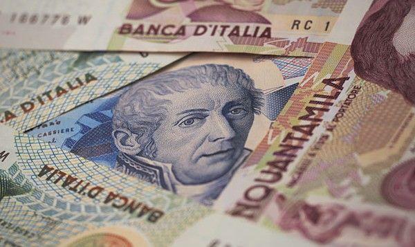 Siracusa: trova 43 milioni di lire ma per la banca è carta straccia