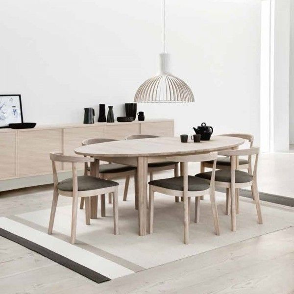 Table en bois design ovale extensible univers scandinave - Table ovale extensible design ...