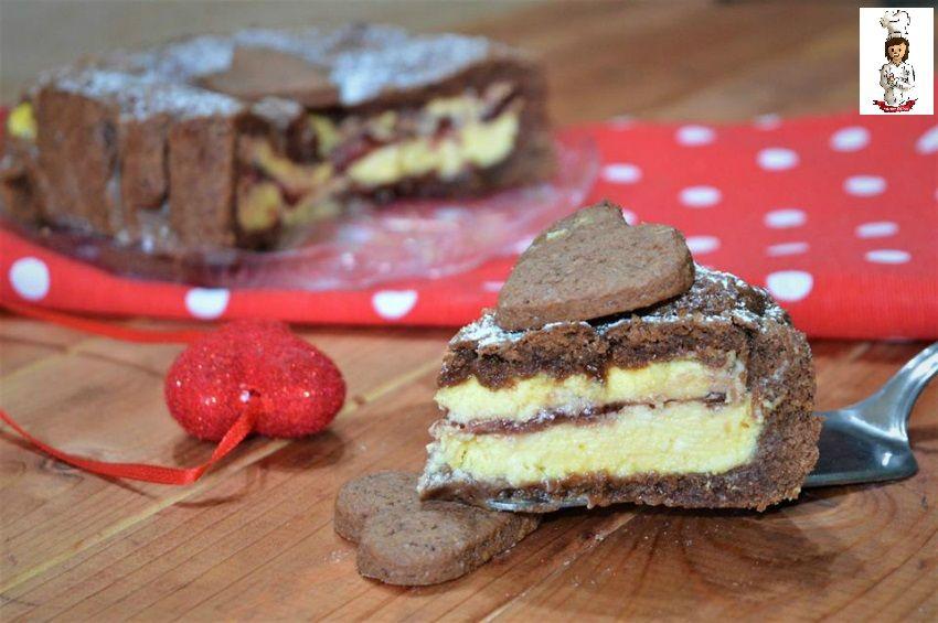 La Crostata al cacao con ricotta e marmellata è un dolce molto goloso e scenografico che catturerà l' attenzione di tutti Ingredienti per la frolla: