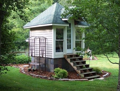 tiny garden house - Google Search | Tiny backyard house ...
