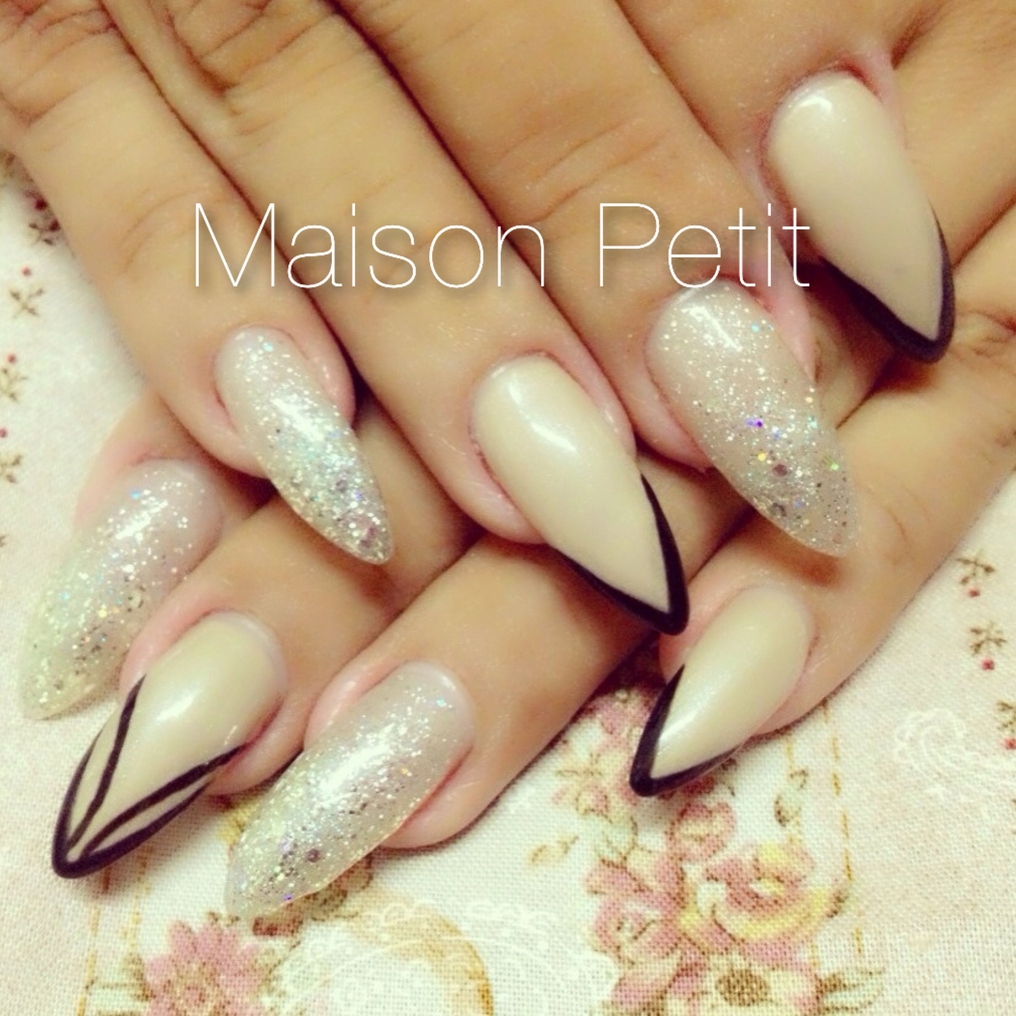 Vintage style stiletto nails! #nails #nailart #3dnailart #3dnails ...