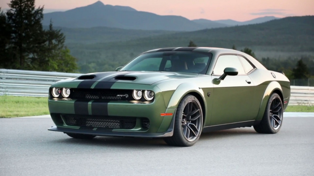 The Dodge Challenger Hellcat Redeye Has 797 Horsepower And The World Doesn T Have Enough Tires In 2020 Dodge Challenger Hellcat Dodge Challenger Scat Pack Hellcat Challenger