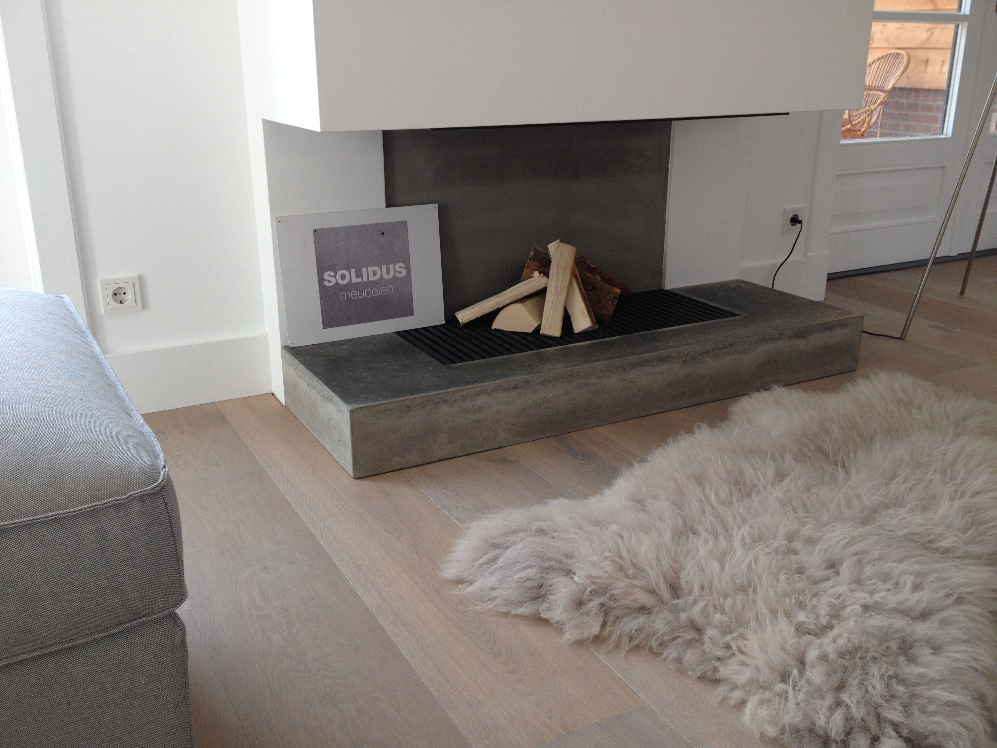 haardplateau van beton meubelen pinterest voor het huis en