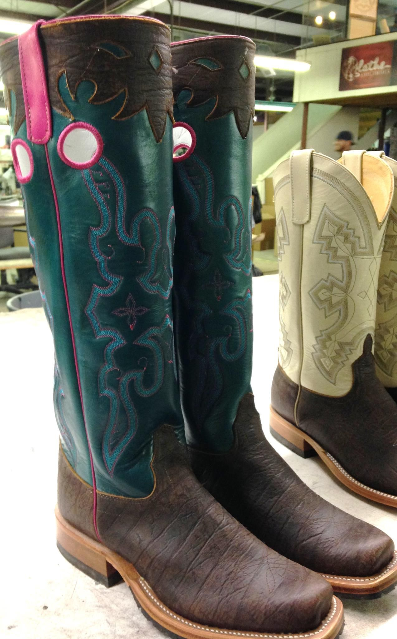 Cowboy boots coloring pages - Coloring Pages & Pictures ...  |Cowboy Boots With Colored Tops