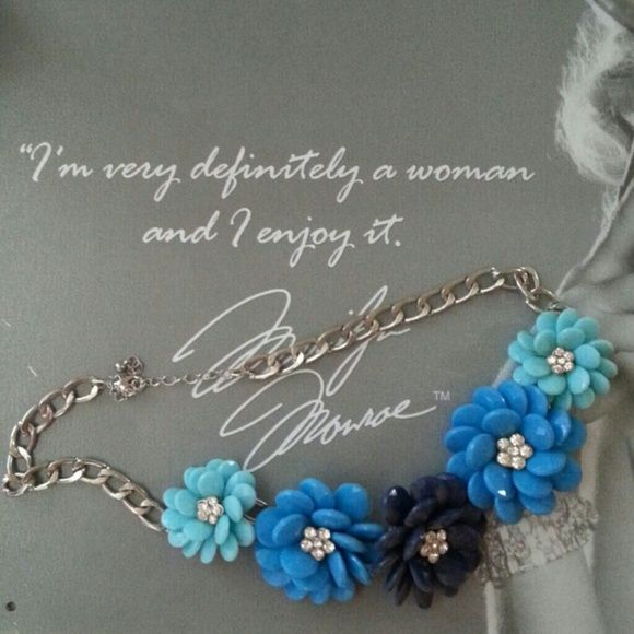 Statement necklace. Chunky, floral, brand new. Jewelry Necklaces