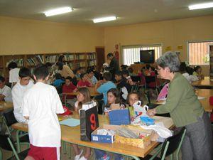 ¿Cómo medir en una isla desierta? Proyecto taller para 1º ESO.  http://www.educa2.madrid.org/web/revista-digital/experiencias-secundaria/-/visor/i-e-s-las-veredillas-taller-de-robinsones-como-medir-en-una-isla-desierta;jsessionid=EB3DFE4E111858DB32E202103BD7CD8B