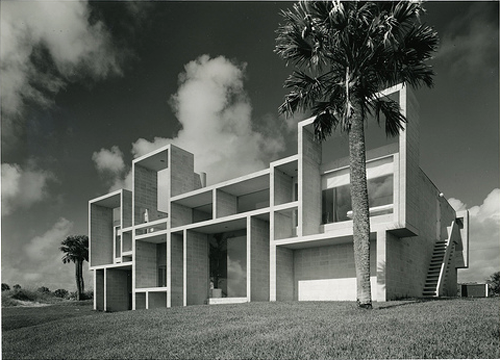 Milam Residence in Jacksonville, Florida by Paul Rudolph, Project Years: 1959-1961 (side view)